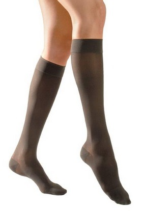 how to put on compression stockings after knee surgery